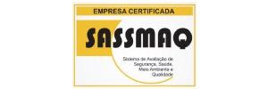 Lançado pela Abiquim em 2001, o SASSMAQ possibilita a avaliação do desempenho das empresas que prestam serviços à indústria química. Desde 2005, o SASSMAQ é pré-requisito para transportadoras de produtos químicos. O principal objetivo do SASSMAQ é reduzir os riscos envolvidos nas operações de transporte e distribuição, através de uma avaliação dos sistemas de gestão ambiental, saúde e segurança.